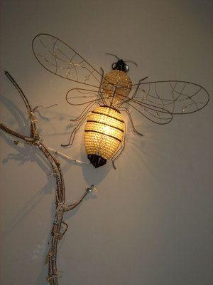 Лампа как брошка или пчелка Bee Darling в Париже