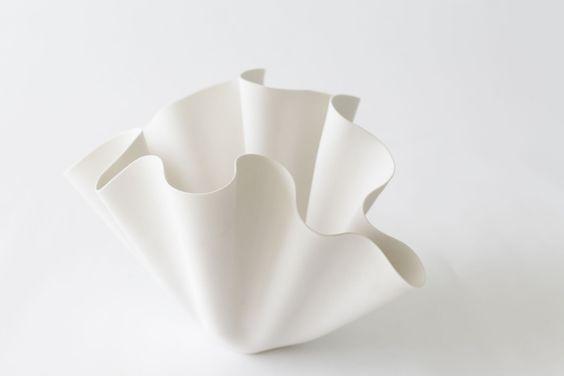 Porcelain bowl in pure white and irregular formed   porcelain . Porzellan . porcelaine   Design: @ etsy  