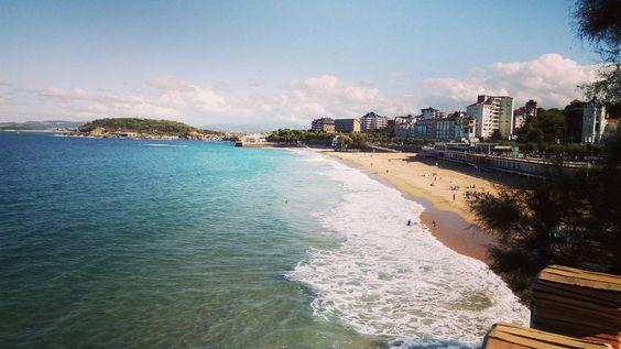 El último día de verano  en Cantabria nos deja un jornada soleada esperemos que no se termine la playa todavía