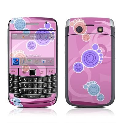BlackBerry Bold 9700 Skin - Footprints by DecalGirl Collective
