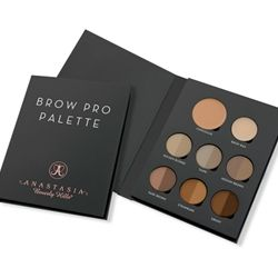 The essential eyebrow defining palette for professional makeup artists. Features 6 shades of @ABHcosmetics' signature Brow Powder Duos, professi...