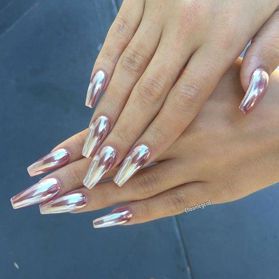 Rose gold chrome nail art chromenails nail art for Miroir rose gold