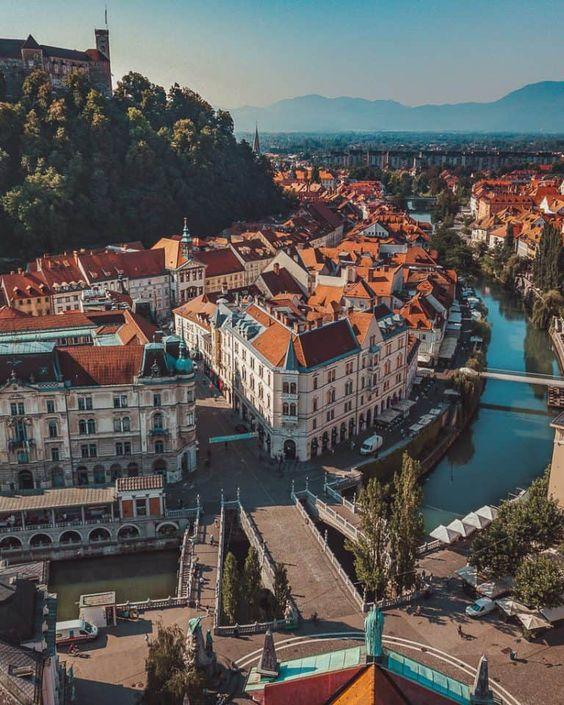 The Ultimate Guide to Slovenia - I, Wanderlista