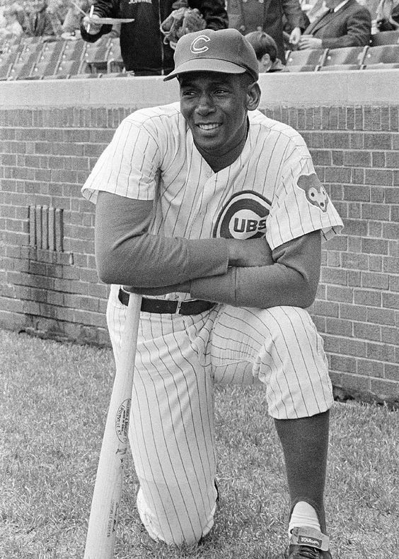 Chicago Cubs Hall of Famer Ernie Banks dies at 83 - In this May 11, 1970, file…