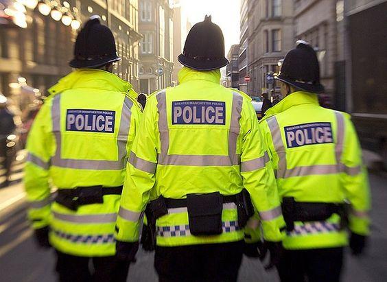 La policía de Manchester será la primera en el Reino Unido que utiliza el código D66, que utilizará para registrar la orientación sexual y la identidad de género de los involucrados en incidentes de violencia doméstica entre personas LGTB.
