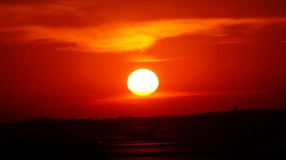 Sunrise by Dieter Heymer / 500px
