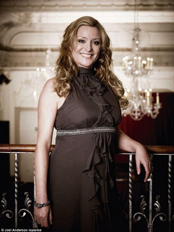 Laurie Brett (2)