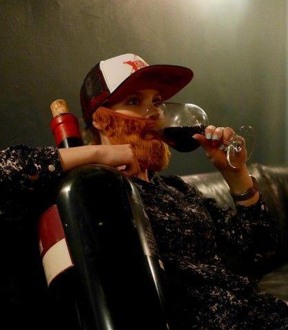 CHUCK NORRIS schläft nie, er wartet und trinkt!! und das täglich bis um 3, am Wochenende bis 5 Uhr in der Z Bar(t)...
