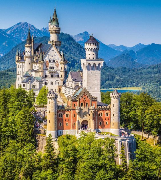 Schloss Neuschwanstein Marchenhaft Schloss Neuschwanstein Neuschwanstein Und Burgen Und Schlosser