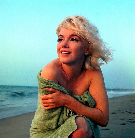 Marilyn Monroe photographed by George Barris
