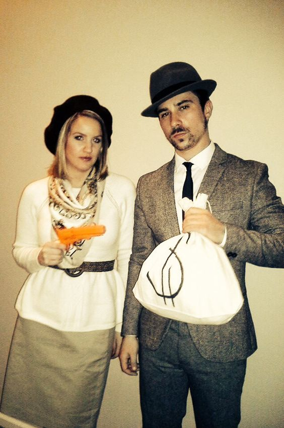 diy couples costume bonnie clyde halloweennnnn. Black Bedroom Furniture Sets. Home Design Ideas