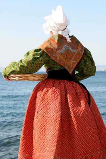 Photo costume traditionnel provençal