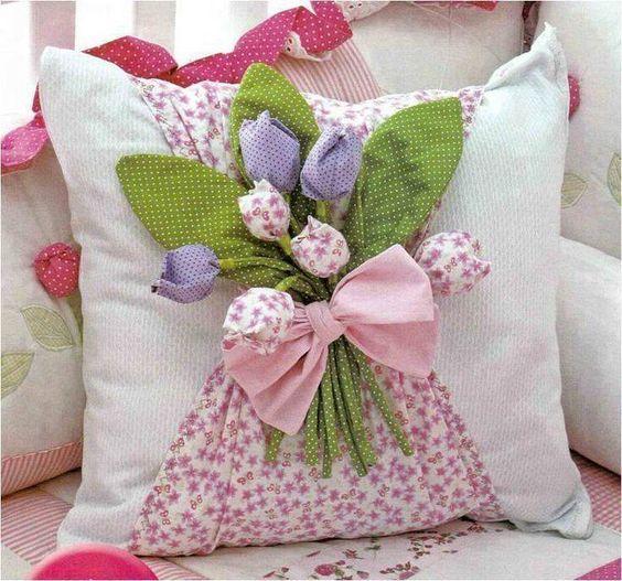Crea sol coj n decorado con flores de tela paso a paso for Webs decoracion hogar
