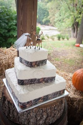 Country Wedding Cake dont know about the topper haha