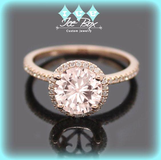 Rose bague de fiançailles de Moissanite 1,5 ct rond Peach Pink Moissanite dans un 14k Rose Gold Diamond Halo réglage - alternative Morganite Nice
