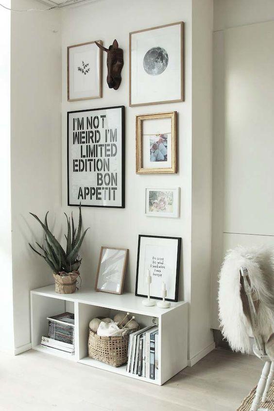Idées de déco salon à copier - mur de cadres