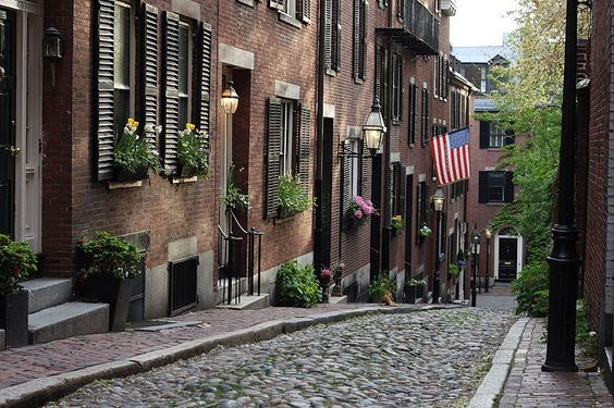 Urban Photography Idea - In the Neighborhood - A beatiful cobbled street lined with apartment homes in Boston's Beacon Hill