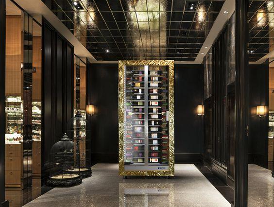 Bar Interieur Design Dubai gold blaue beleuchtung ambiente