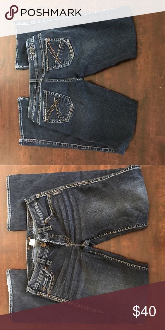 Size 28 Silver Jeans Very good condition. Only scuff at very ...