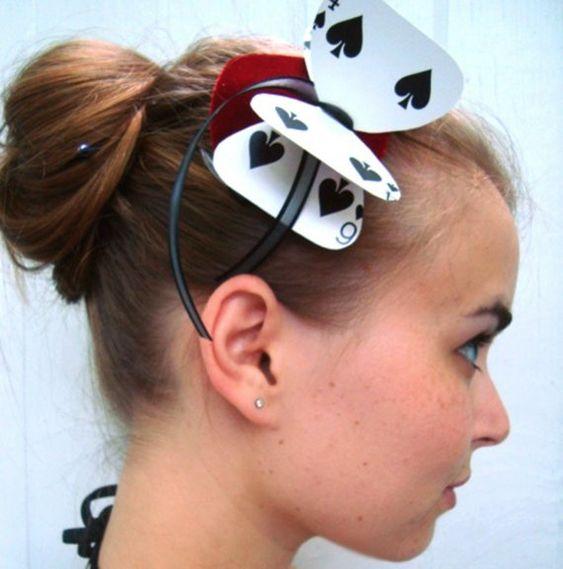 alice in wonderland card hairband. Cute Halloween diy costume idea