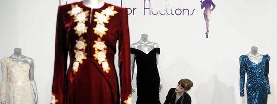Subastan diez míticos vestidos de la princesa Diana