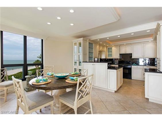 3215 N Gulf Shore BLVD #205-N, Naples, FL 34103 | Renovated condo in Lausanne. Breakfast by the sea?   Yes please.  The Moorings