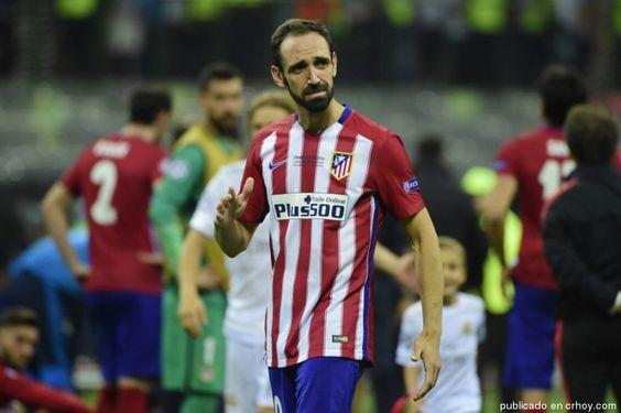 Con profundo pesar, Juanfran pide perdón a aficionados del Atlético por fallar penal