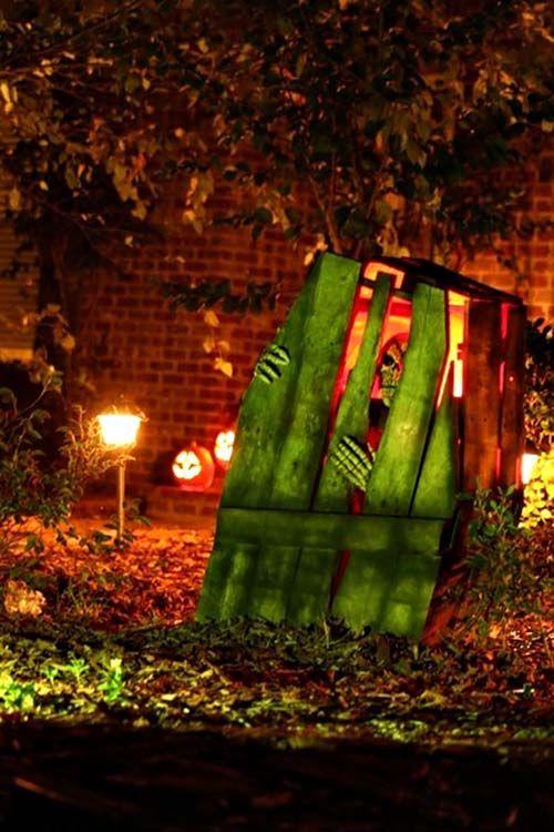 21 Incredibly Creepy Outdoor Decorating Ideas For Halloween Halloween Deko Garten Halloween Halloween Deko Ideen