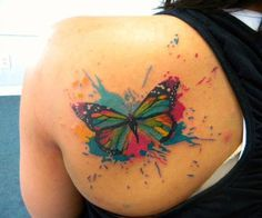 Mariposa estilo Acuarelas - Tatuajes para Mujeres. Encuentra esta muchas ideas mas de Tattoos. Miles de imágenes y fotos día a día. Seguinos en Facebook.com/TatuajesParaMujeres!