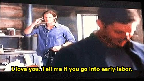Did anyone else catch this moment in the gag reel!? SO FRICKING ADORABLE.  #JaredPadalecki #BABYMOOSE #SupernaturalCast [gif]