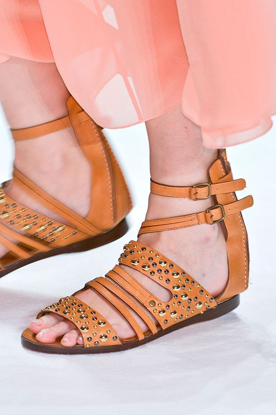 Tendencias primavera verano 2013 sandalias de piso accesorios zapatos - Vanessa Bruno
