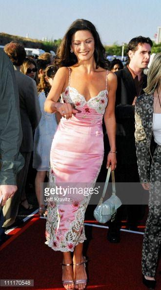News Photo : Catherine Zeta-Jones during The 1999 MTV Movie...