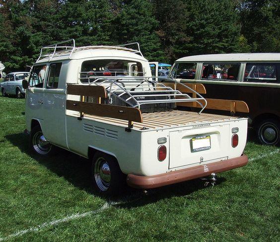VW Van by šťastnou cestu, via Flickr