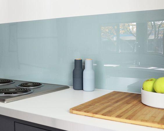 acrylic-backsplash-installed-close