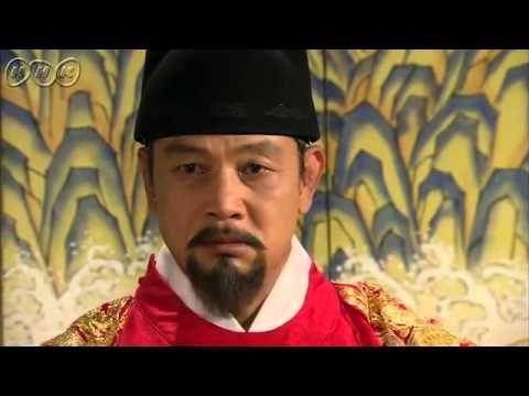 """5分でわかる「王女の男」~第17回 苦悩する新王女~ """"朝鮮王朝版 ロミオ&ジュリエット""""韓国を熱狂させた超話題作。歴史に残る大事件を背景に、宿敵となった男女の切ない愛を描いた究極のラブロマンス。女性たちをとりこにした主演パク・シフの幅広い演技にも注目!うっかり見逃した、もう一度みたい・・・そんなあなたはこの5分ダイジェスト版をチェック!    第17回「苦悩する新王女」  セリョンは、シン・ミョンに見つかりそうになったスンユを路地に引き込み、大事な話をしようとするが、耳を貸さずその場を去るスンユ。妓楼でスンユを待っていたセリョンは、義姉とめいがまだ生きていることを伝える。首陽(スヤン)は第7代王に即位。セリョンは王女となる。  第17回を5分ダイジェストでご紹介!  NHK BSプレミアム 毎週(日)午後9時~ (C)KBS    番組HPはこちら「http://www.nhk.or.jp/kaigai/oujo/」"""