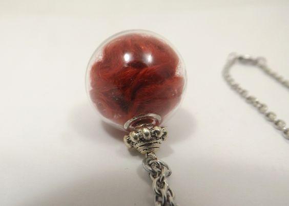 Collier globe en verre, bulle rouge, chaine acier inoxydable - noces de laine : Collier par long-nathalie