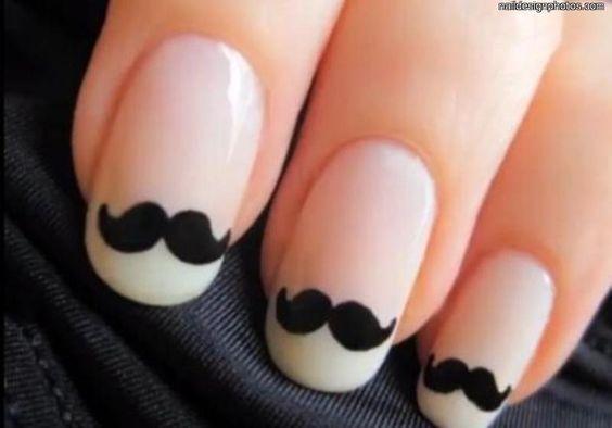 Divertido y delicado detalle para tus uñas. Experimenta con ellas. #moda