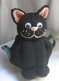 Knit or Crochet tea cozy! / Cat Tea Cosy - KNITTING PATTERN - downloadable file. $4.00, via Etsy.