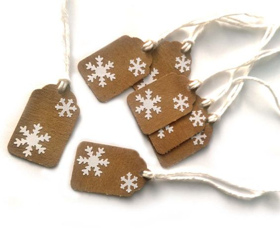 10 Kraft Snowflake Christmas Holiday Gift Tags by CatalinaInspired