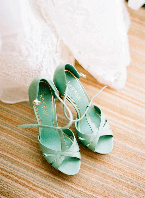 Mint | Con tacones y de boda