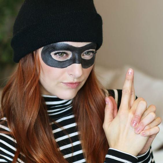 10 Easy Halloween Costumes You Can Make With Stuff You Already Have