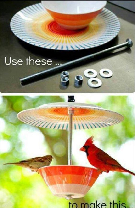 Enfeite seu jardim ou varanda com o seu jeito: #upcycle de xícara de chá em alimentador de pássaros! www.eCycle.com.br Sua pegada mais leve.