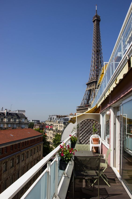 Apartments paris and chang 39 e 3 on pinterest for Apartment in eiffel tower