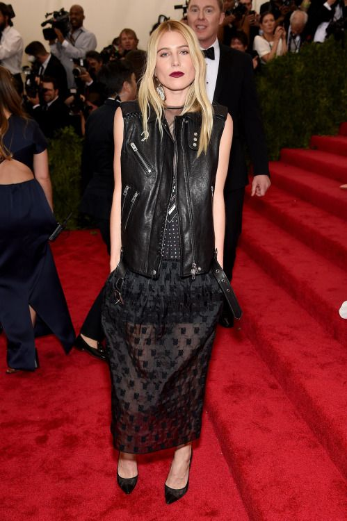fashionettero:  Dree Hemingway in Coach at the 2015 Met Gala.