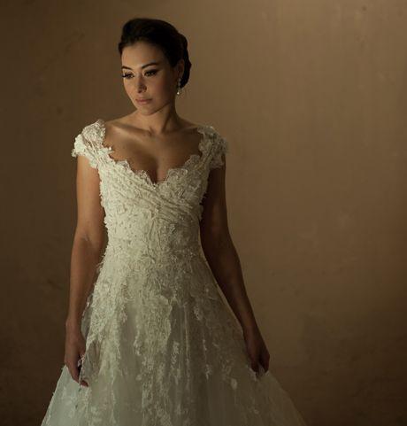 Vestido de Noiva com Alças   Peguei o Bouquet