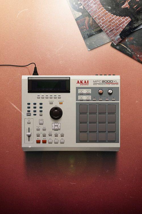 Akai Mpc2000 In 2020 Music Production Equipment Akai Drum Machine