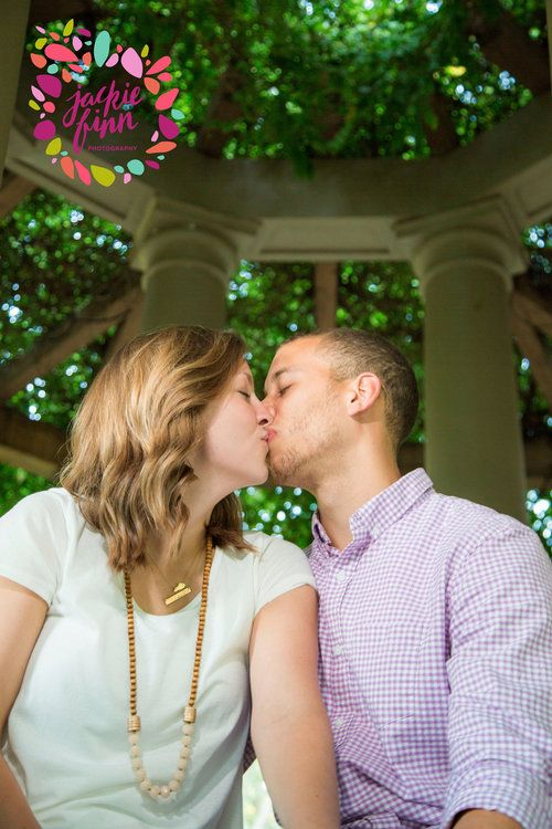 Louisville, Ky. photography. 1 year wedding anniversary. Married life. couples pictures. Engagement
