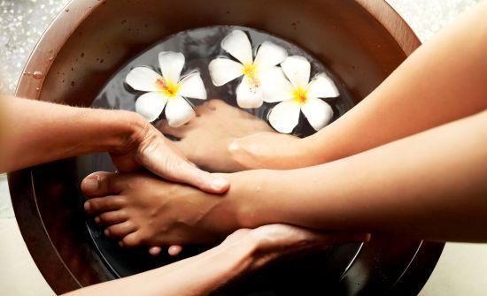Monturi, Pinteni, Dureri de Călcâi – Tratamente Naturiste: Essential Oil, Spa Treatments, Feet Yoga, Tea Bags, Relaxing Ideas, Yoga International, Foot Baths, Healthy Living