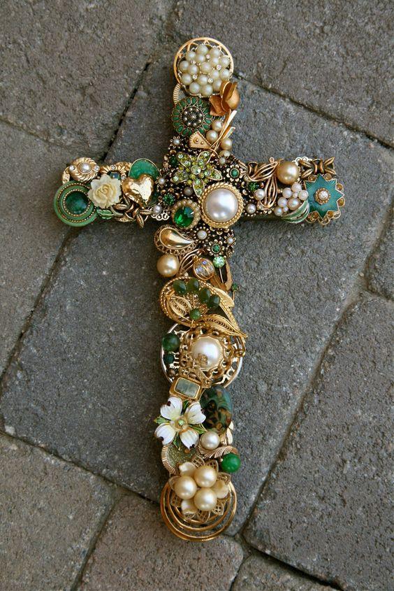 Hand Designed Vintage Jewelrey Wall Cross W Emerald