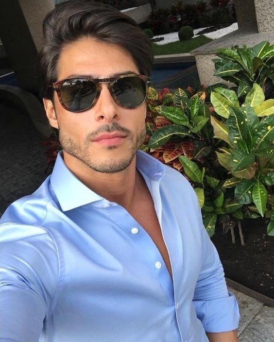 Estilo e sofisticação dos óculos Persol! O lindo @brunosantos_sp já garantiu o dele! 😎 #oticaswanny #persol #brunosantos_sp #oculospersol #persoleyewear